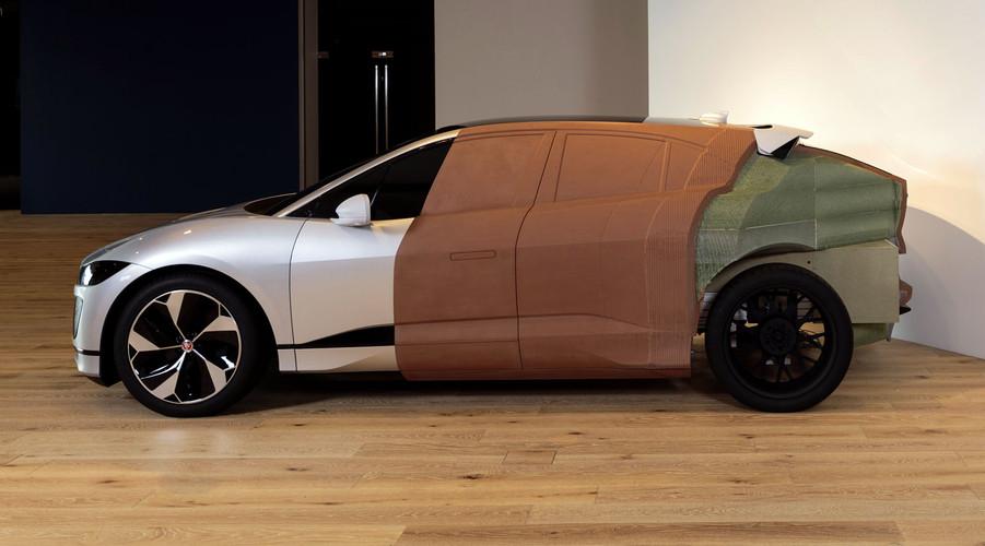 Jaguar-I-Pace-Fullsize-Clay-Model-03.jpg