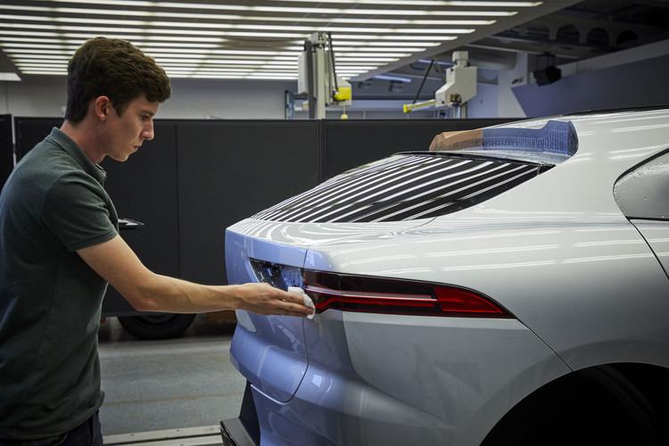 Jaguar-I-Pace-Clay-Model-Detail-01.jpg