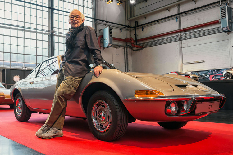 Erhard-Schnell-and-the-Opel-Experimental
