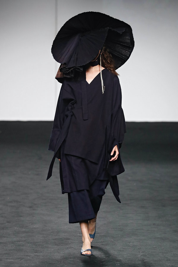 LOOK 3. YIN YANG SS21 catwalk for MBFW M