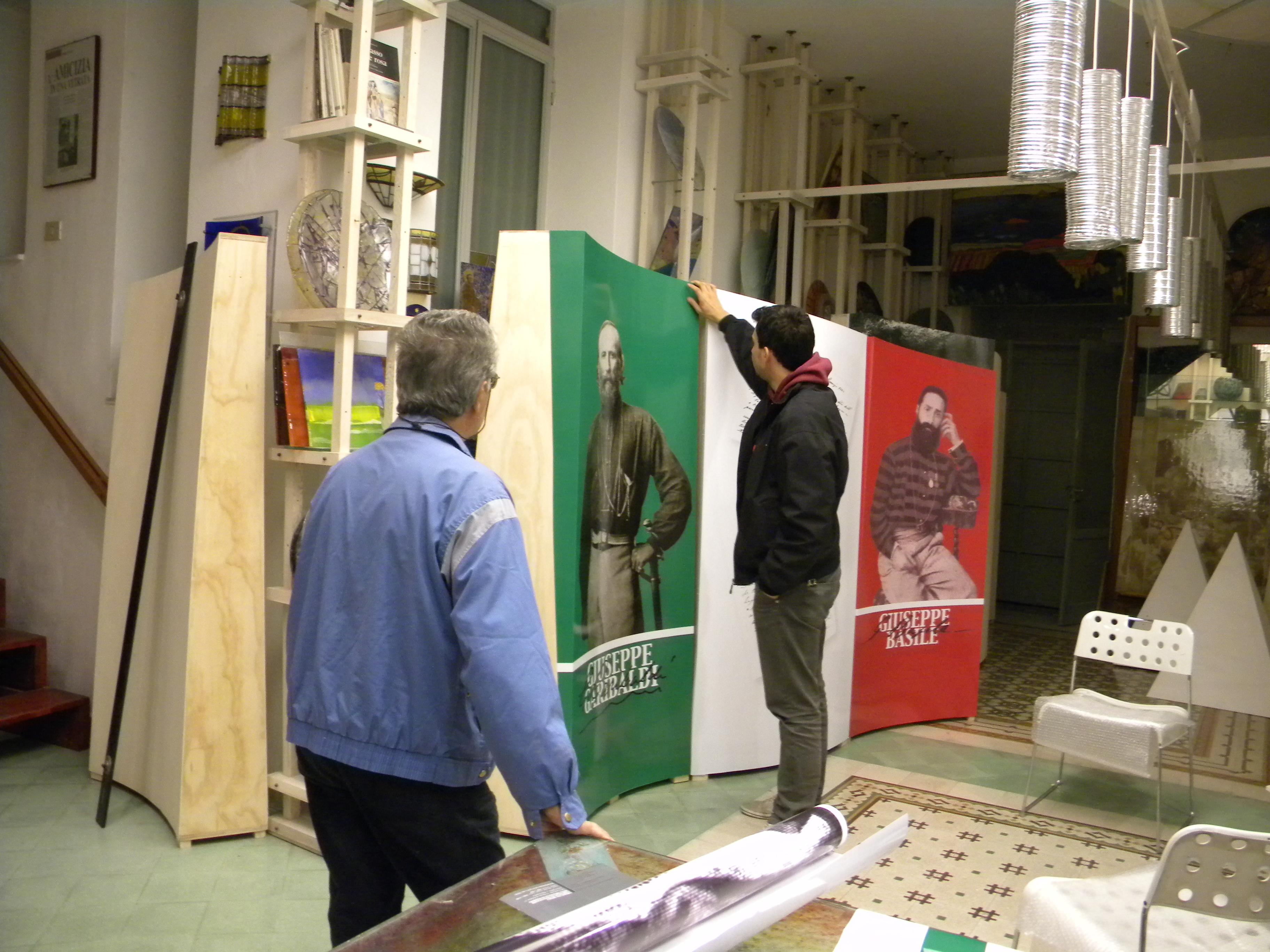 Gente al lavoro preparazione Mostra La Ferita (1).JPG