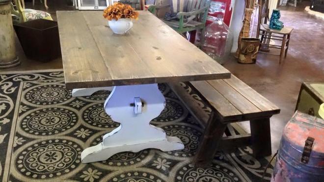 Pilgrahm table