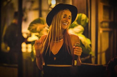 Singer Songwriter Lauren Tracy