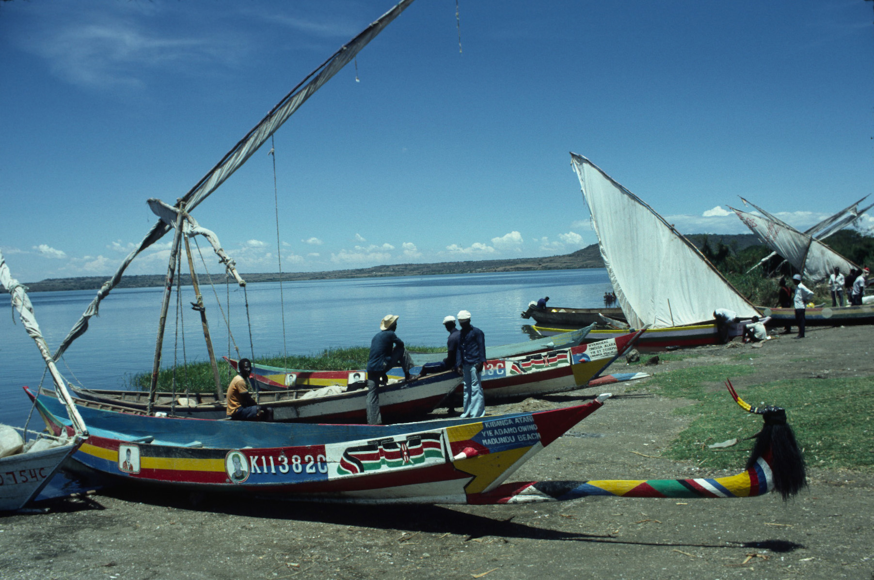 Luo Boats.jpg