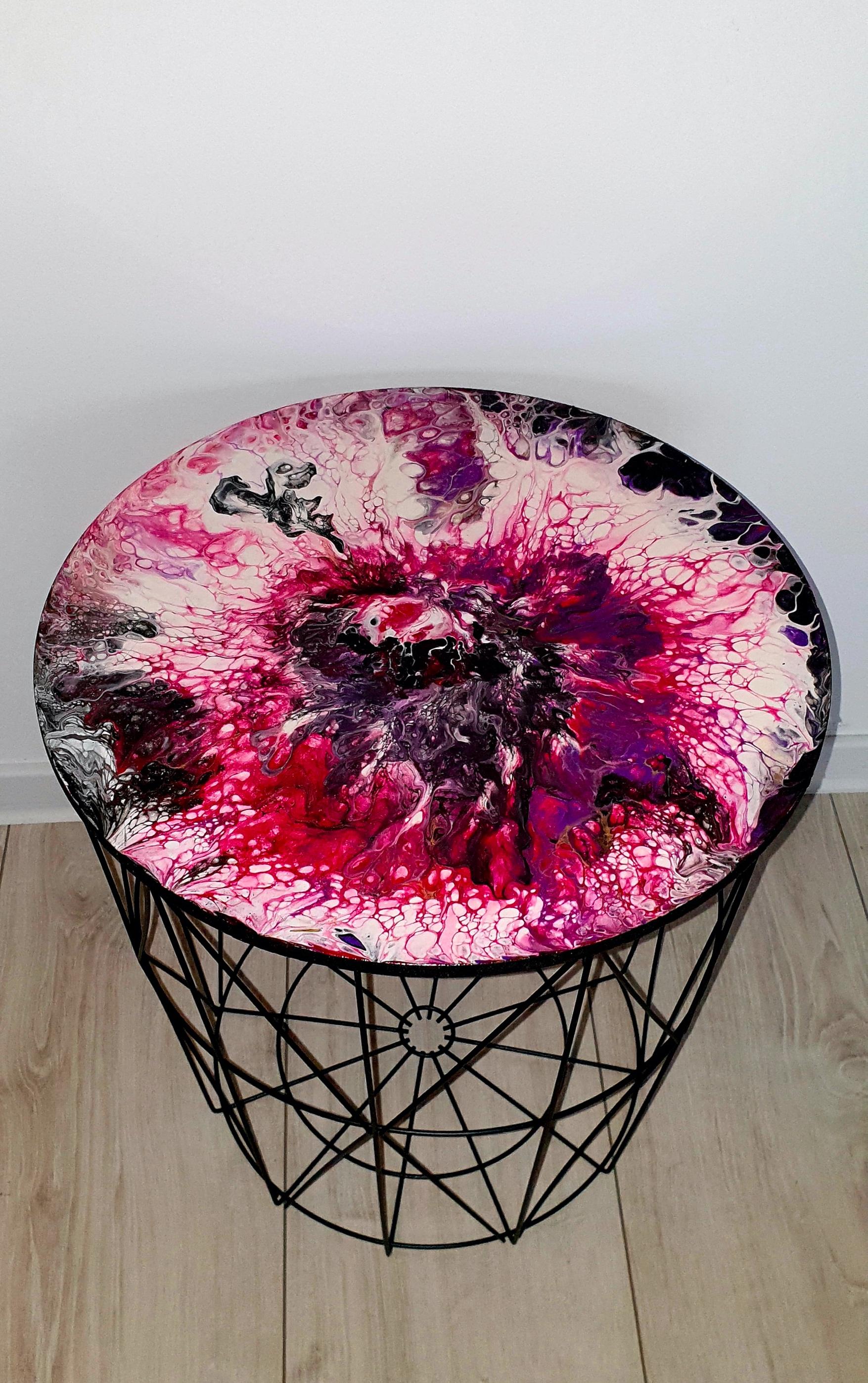 """Lekki, nowoczesny stolik. Blat stolika z akrylowym obrazem 40cm pt. """"Piwonia"""" (2020)"""