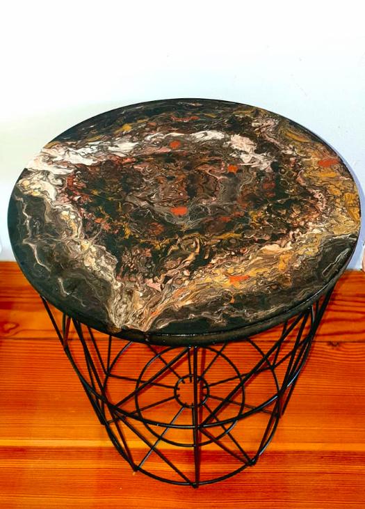 """Nowoczesny stoliczek kawowy typu kosz z akrylowym obrazem 30cm pt. """"Kamień"""" (2020)"""