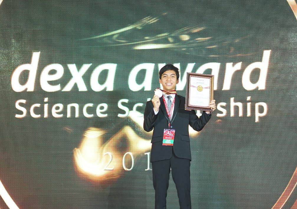 Andi Rahim - Universitas Padjajaran, Pemenang Dexa Award Science Scholarship 2018