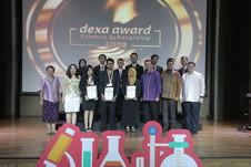 Pemenang dan Finalis Dexa Award Science Scholarship 2019 bersama Direksi Dexa Group dan para juri