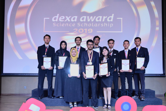 Finalis Dexa Award Science Scholarship 2019