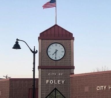 Foley Discusses Fiber Plans with Benton County
