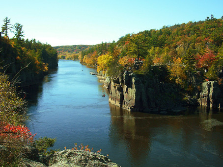 Man Dies Following Fall at Interstate State Park