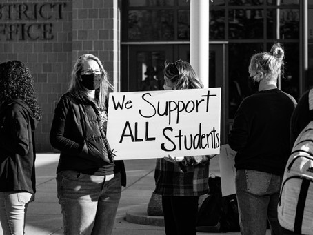 Community Gathers to Show Support of Pine City Students