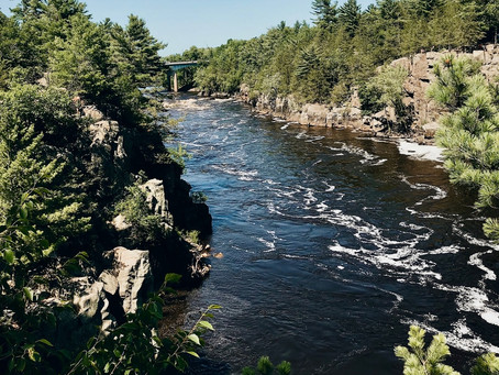 Man Falls 30-feet from Angle Rock in Taylors Falls