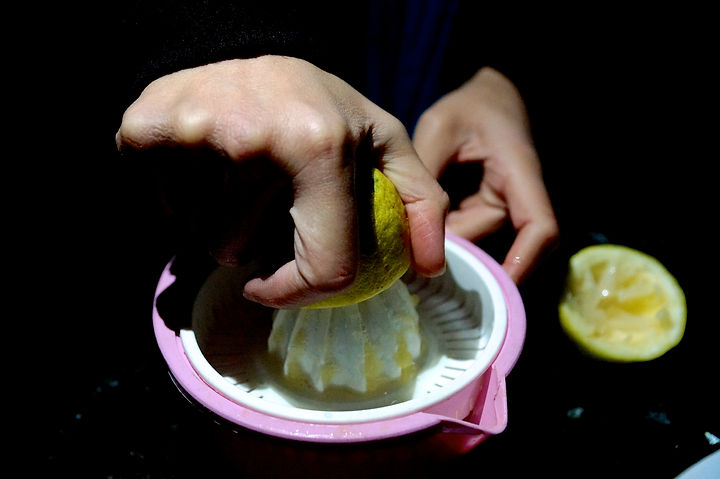 squeezing the lemons, foule recipe, lebanese recipes, lebanon