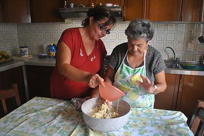 Angela and Marietta making the Zeppole