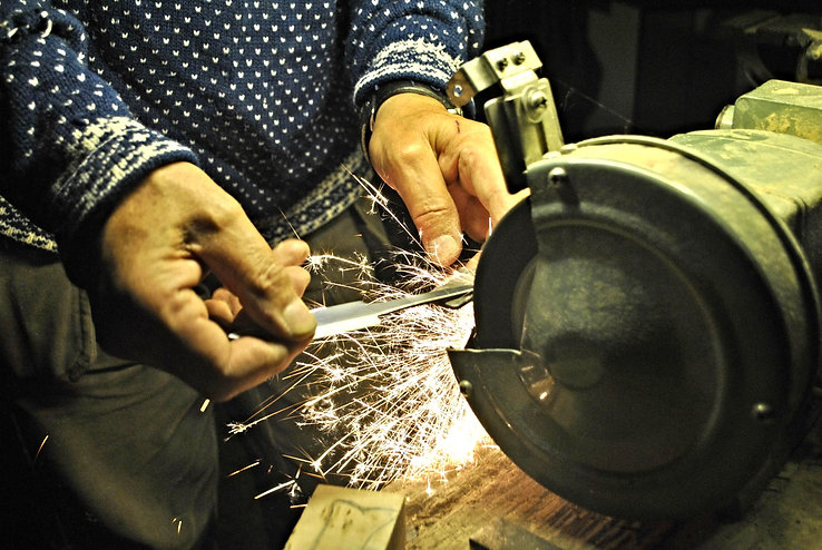 Lärkin Making a Knife, Järbo, Sweden