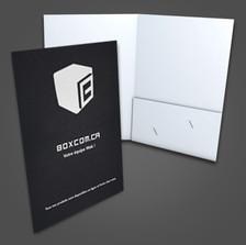 Créez un impact assurez avec une pochette de presse personnalisée à l'image de votre entreprise. (12 x 18 ) ( 9 x 12 lorsque fermée.)