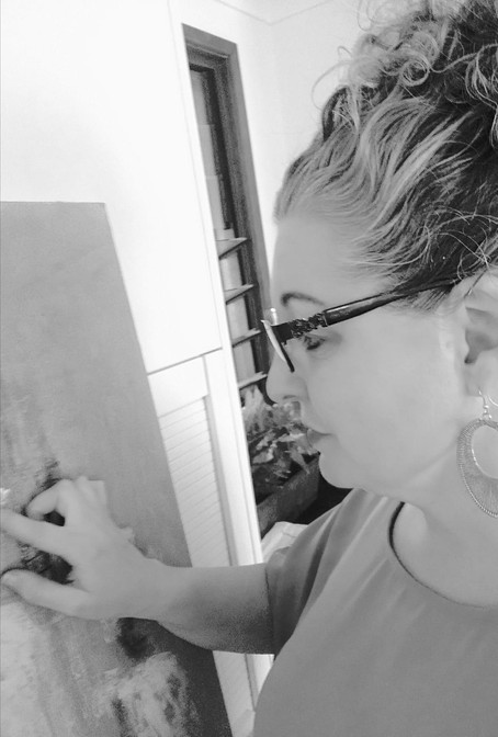 Artist Rachel Oliver shares some of her journey - Painting with Parkinsons Disease
