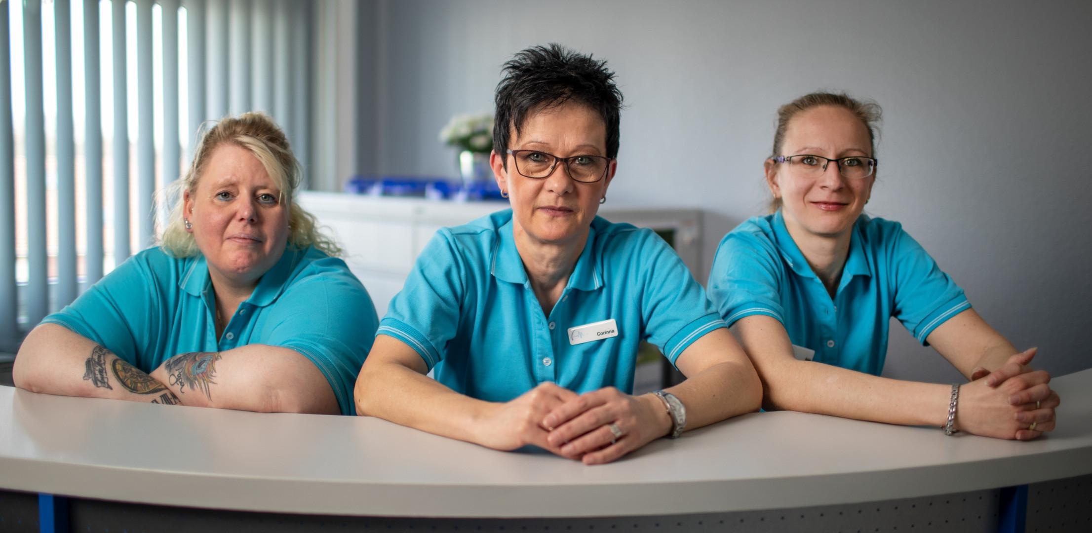 Wir sind für Sie da. Die Schwestern unserer Hausarztpraxis.