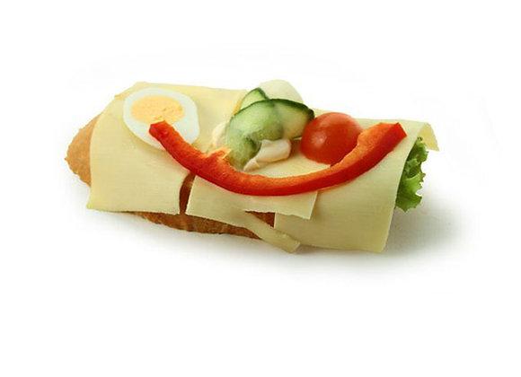 Belegtes Sandwich mit Käse