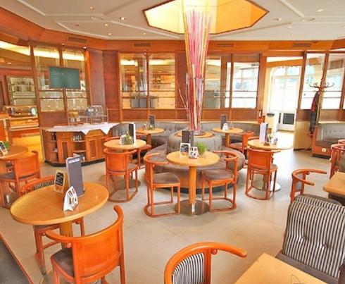 Café-Konditorei von Innen