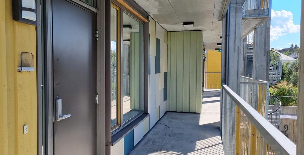 Stor leilighet 3 rom fra utsiden.jpeg