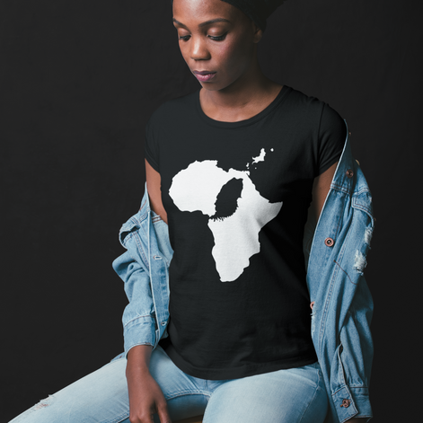 mockup-of-a-woman-wearing-a-t-shirt-sitt