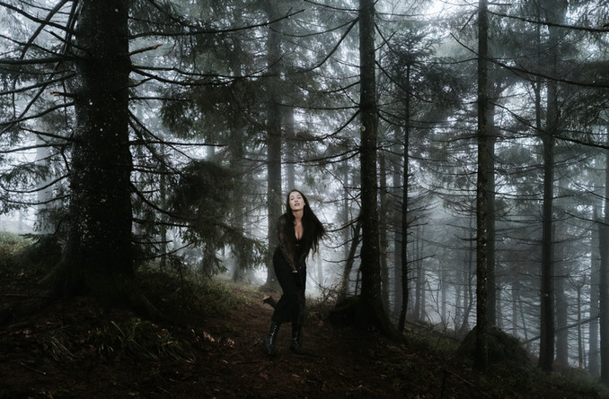 Anastasia Outdoor Farbe150.jpg