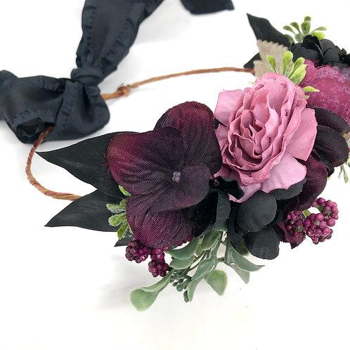 The Black Flower Collar Wreath