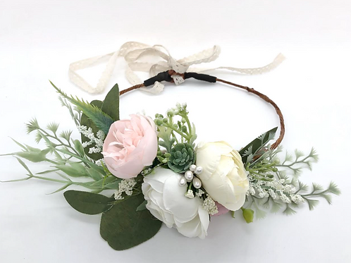 "The ""Chantilly"" dog flower wreath collar"