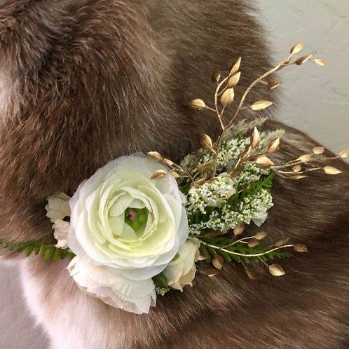 "The ""Ivory Gold"" flower wreath dog collar"