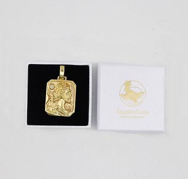 Ref_171228_Medalha_com_cristo_e_zircóni