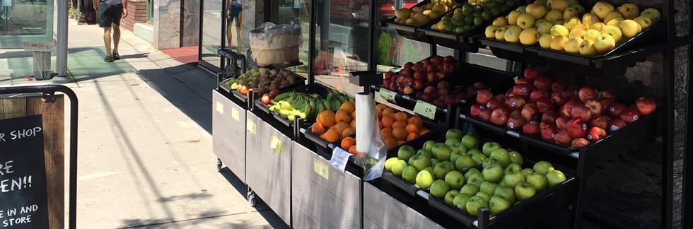 MOBILE DISPLAYS PROVIDE A FARMERS MARKET APPROACH