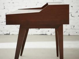 serra desk profile