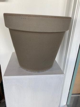 Almada dark stone pot 31x28cm