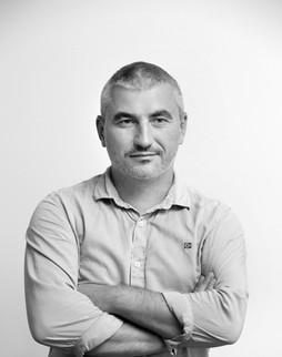Роман Костенко