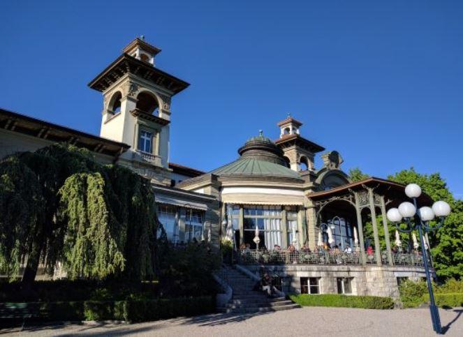 La terrasse et le dôme