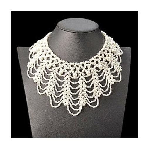 White Pearls Scallop Necklace-Collar