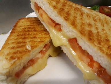 Cheese & tomato toastie