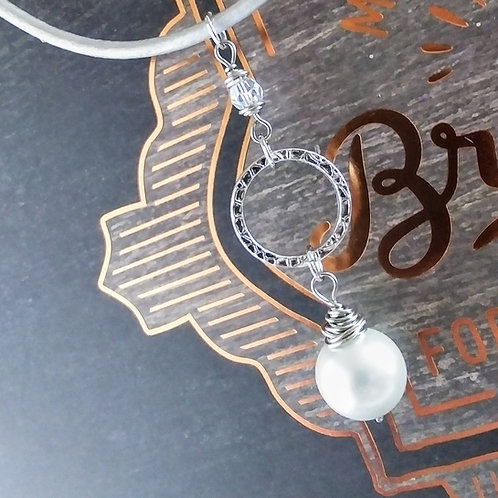 Pearl & Crystal Leather Necklace