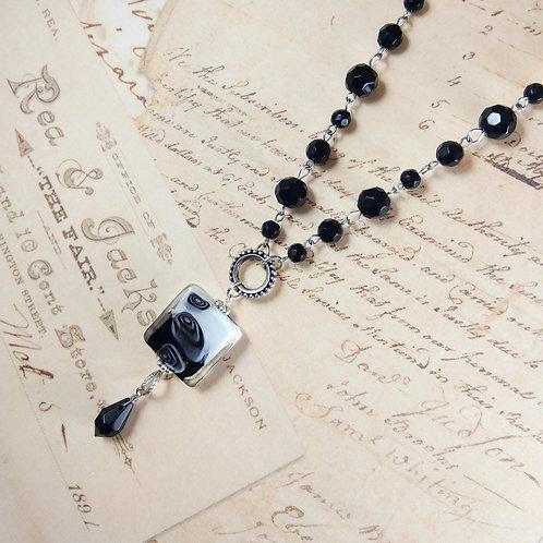 Black & White Cubular Necklace