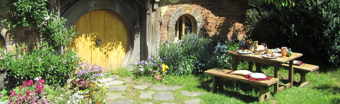Hobbiton. Visit The Shire and the Green Dragon Inn