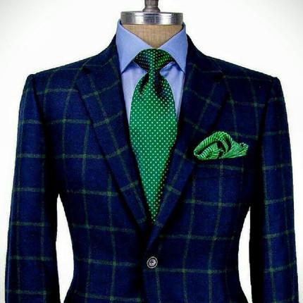 green tie bas.jpg