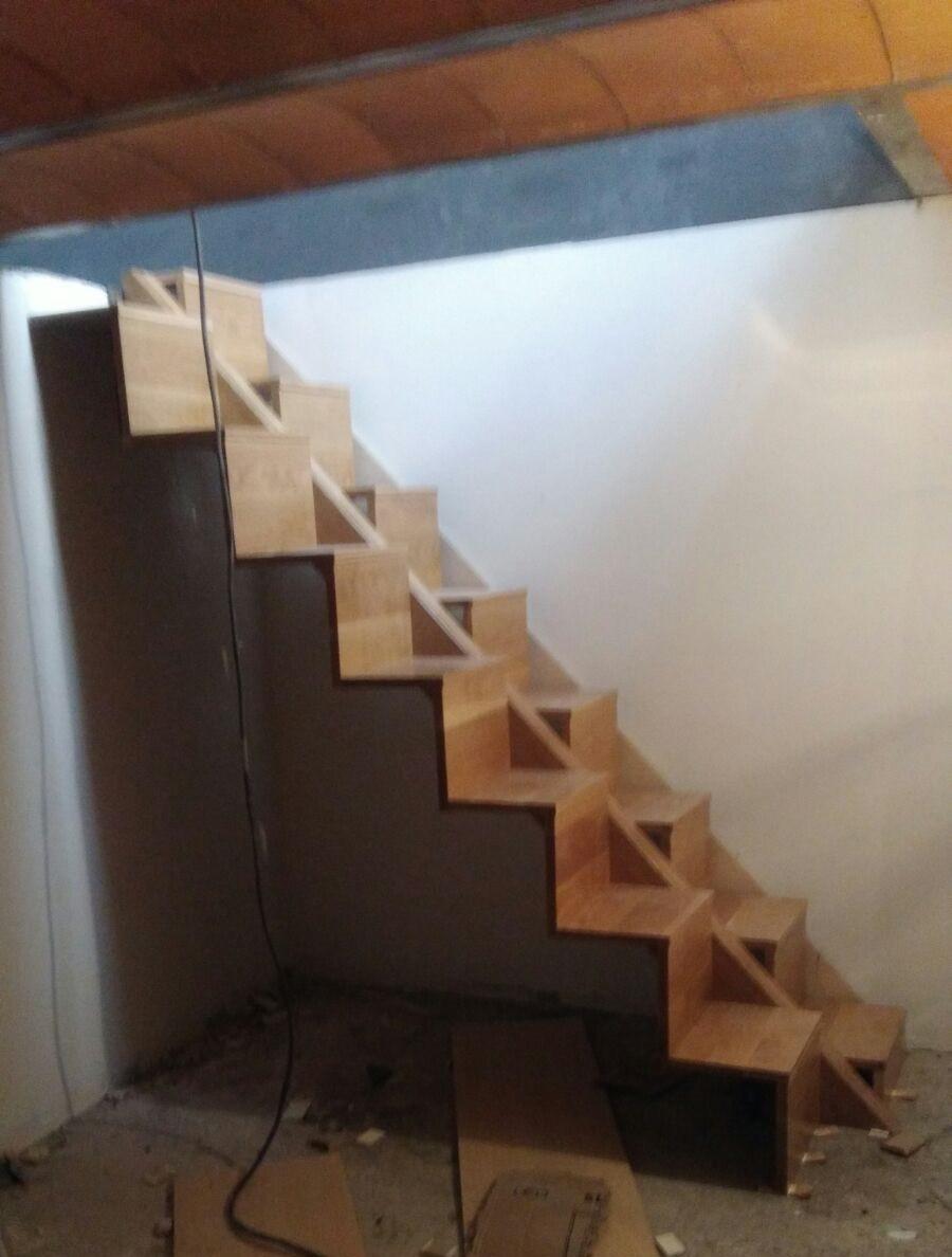 Escalera de madera moderna
