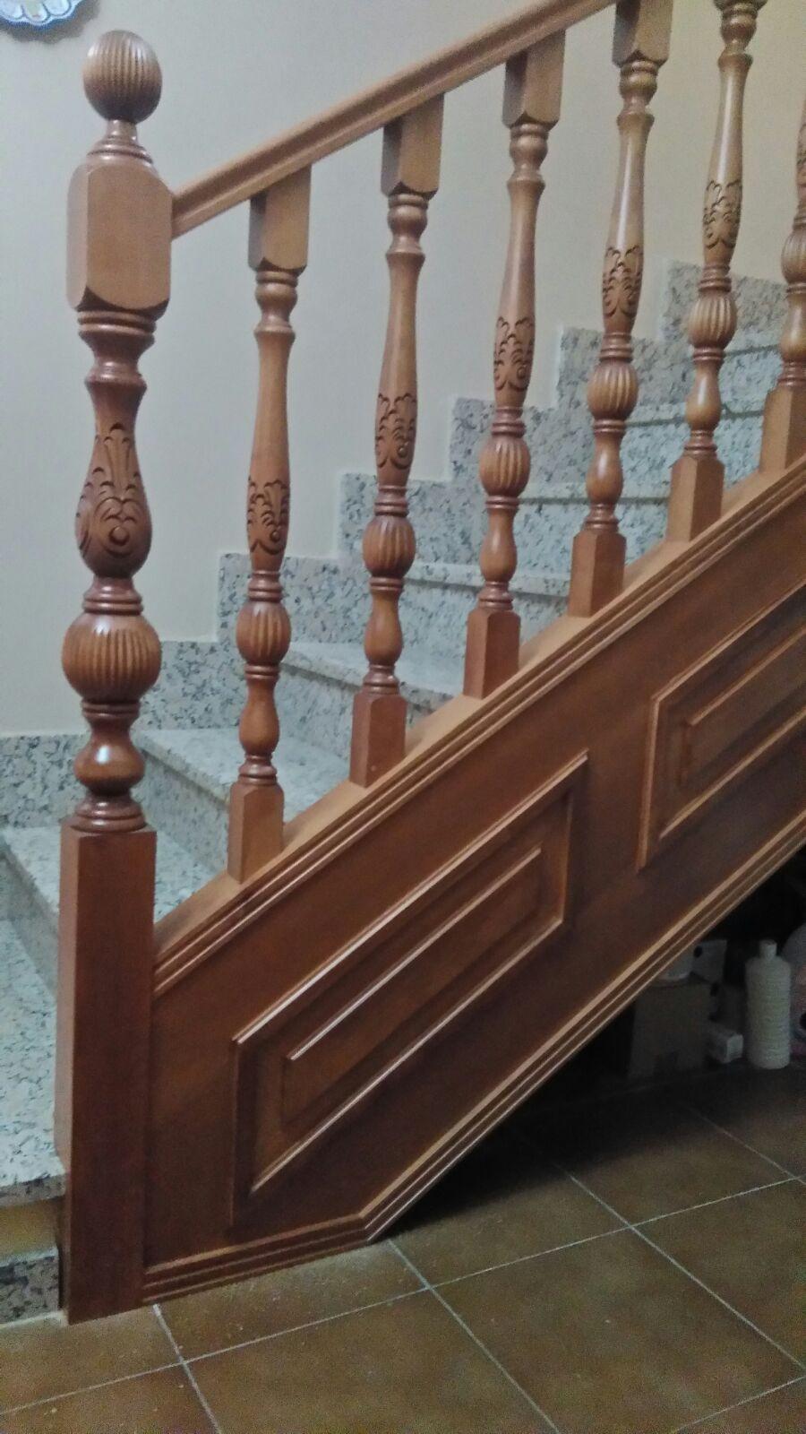 Balaustres de madera tallados