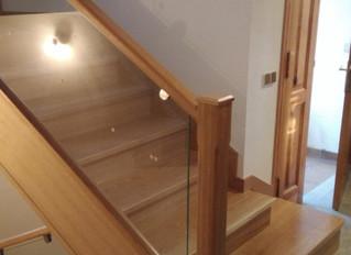 Barandillas de madera y cristal - Carpintería Bonilla
