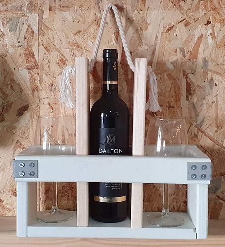 בניית מעמד יין וכוסות