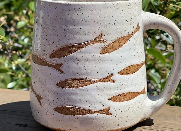 Swimming fish 18 ounce mug