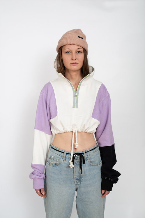 WINDOW CROPPED TURTLE SWEATER