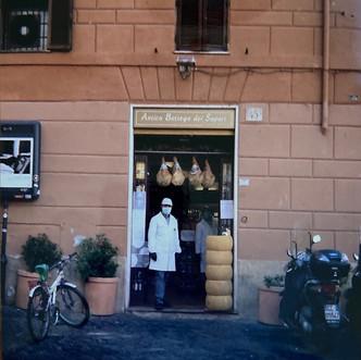 Pizzicagnolo. Roma centro.